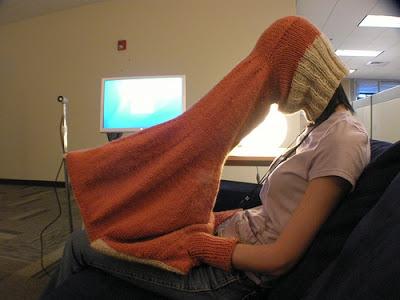 pessoa jogando buraco online no inverno